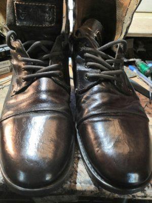 Профессиональная чистка обуви, Levis